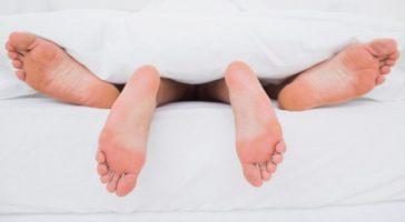Отказываться ли от секса во время беременности?