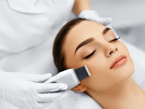 Какие косметологические процедуры, попробовав раз, вам придется делать постоянно.