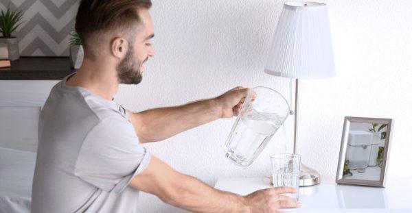 Почему не стоит пить воду перед сном