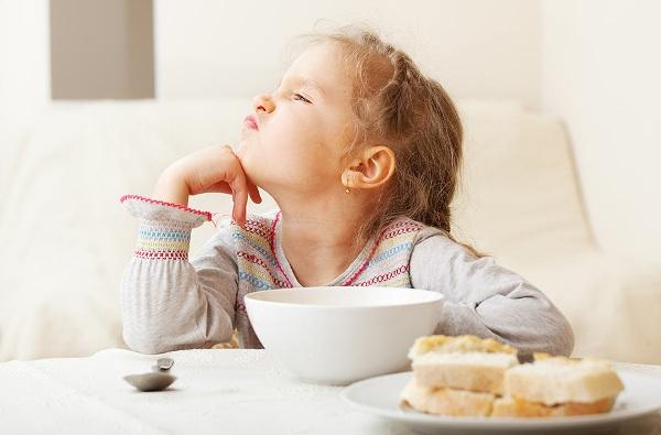 Ребенок плохо кушает: что делать?