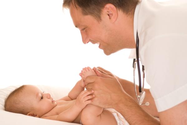Когда необходимо проходить осмотры младенцев