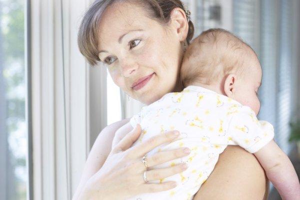 7 опасных вещей, которые все мамы допускают с новорожденными