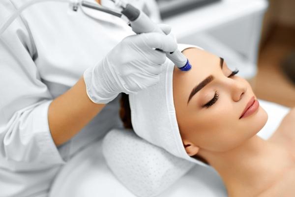 Как подсаживают на косметологические процедуры