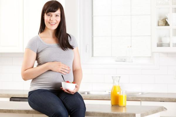 От чего бывает отрыжка при беременности и как с ней бороться