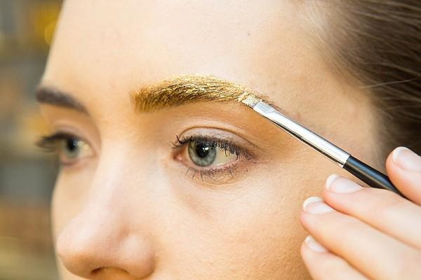 Самые неудачные варианты новогоднего макияжа