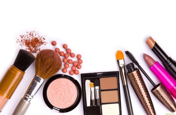Почему нельзя пользоваться дешевыми косметическими средствами