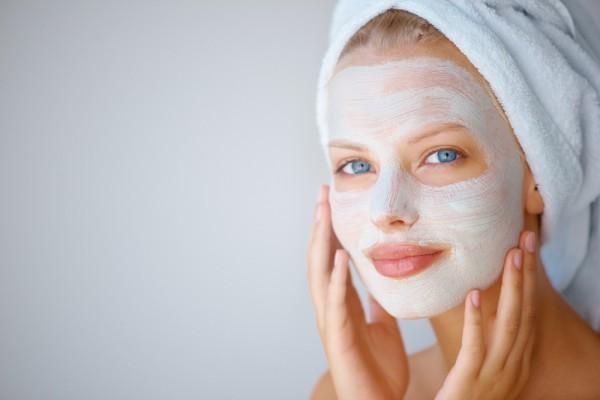Как сэкономить до десяти тысяч на масках для лица этой зимой
