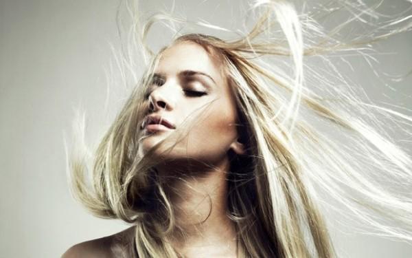 Волосы электризуются: как легко от этого избавиться?