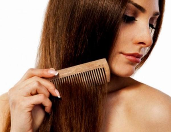 Как нельзя расчесывать волосы, чтобы их не повредить