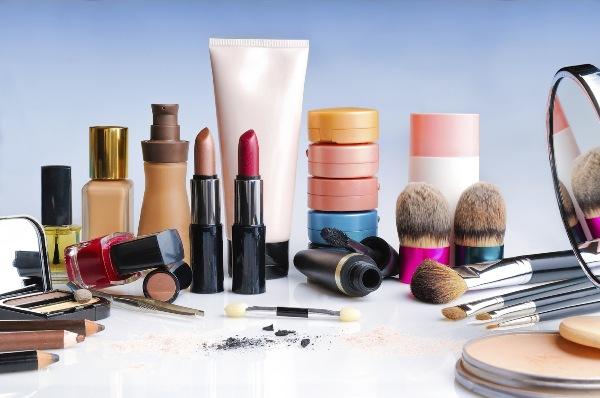 5 видов косметических средств, которые не стоят своих денег