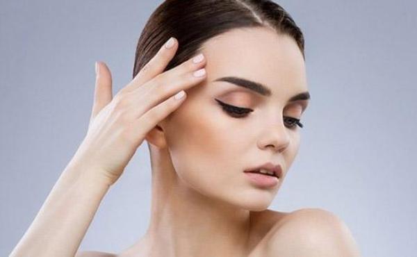 Ошибки, которые чаще всего допускают при окрашивании бровей самостоятельно