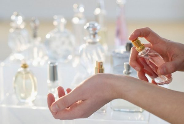 5 ошибок, которые допускают практически все при нанесении парфюма