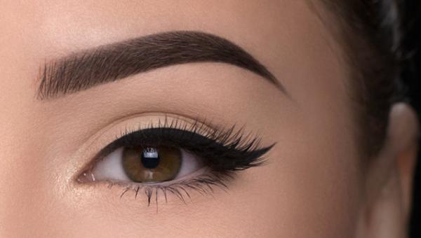 Как приподнять брови с помощью макияжа