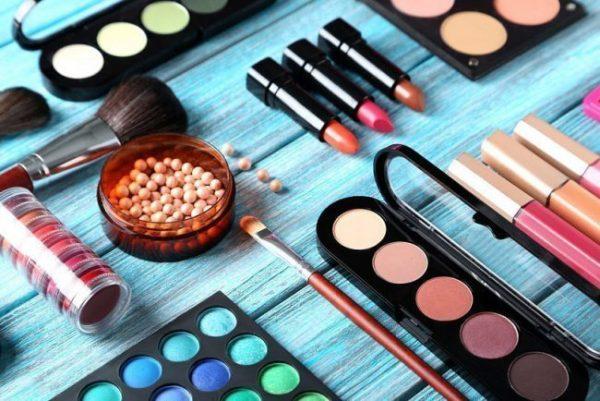 Различия между вечерним и повседневным макияжем