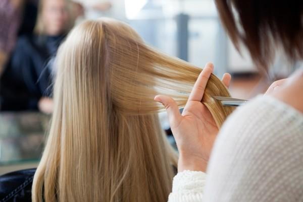 Какие процедуры для волос просто необходимо сделать этой зимой