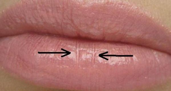 Почему скатывается помада на губах и как это предотвратить