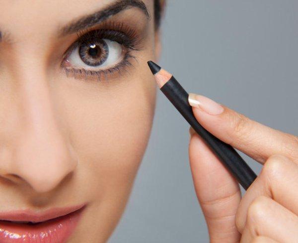 Как пользоваться карандашом для глаз, чтобы сделать выразительный взгляд
