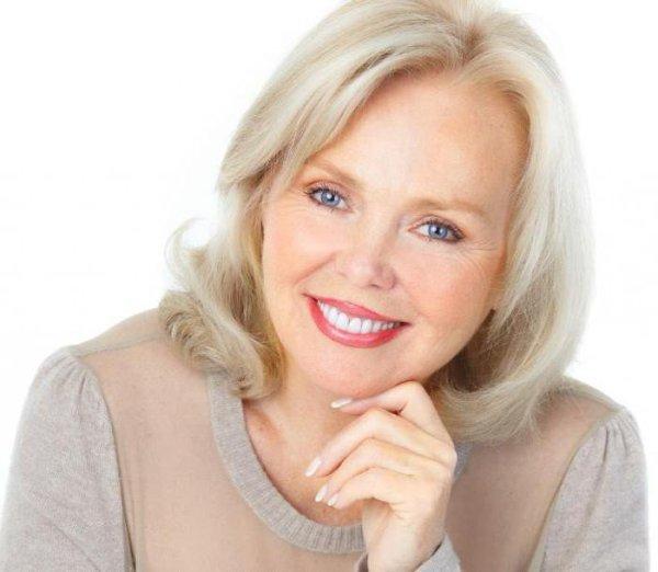 Как менялся внешний вид 50-летней женщины за последние столетия?