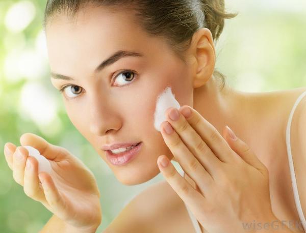 5 причин не пользоваться дешевыми средствами ухода за кожей лица