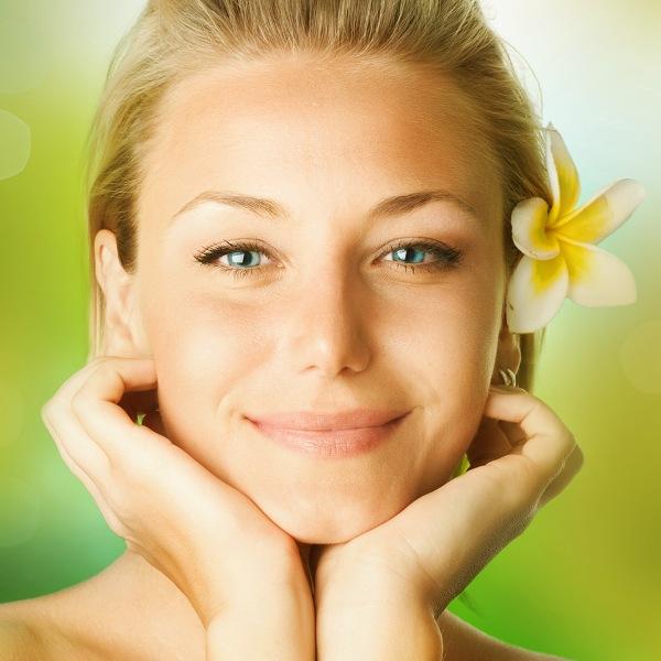 Что необходимо сделать женщине со своей внешностью к 8 марта