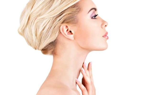 Привычки, которые приводят к появлению морщин на шее