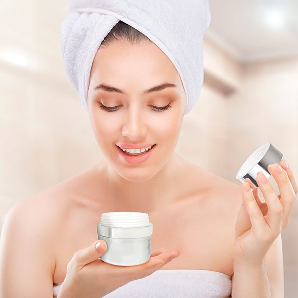 Частые ошибки в использовании крема для лица, которые провоцируют воспаления