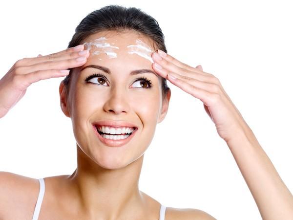 С какого возраста нужно начинать пользоваться кремами от морщин