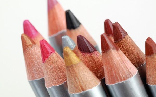 Как правильно наносить контурный карандаш для губ