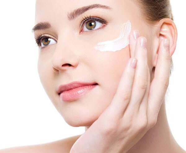 О чем говорят сухость и стянутость кожи лица после умывания