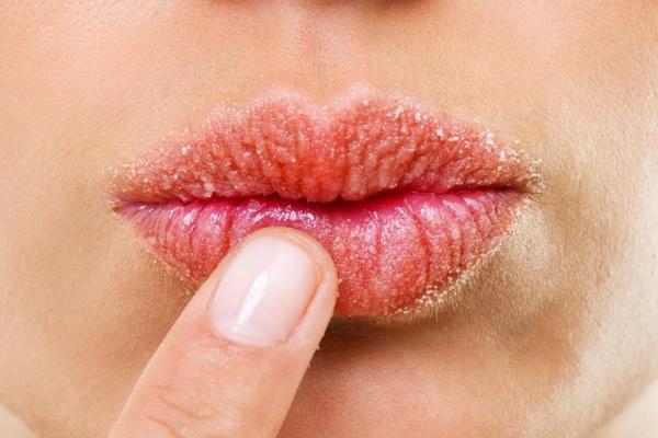Уход за губами после 40 лет: все тонкости и правила макияжа