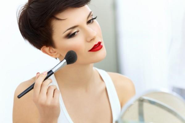 5 приемов макияжа, которые сделают тебя значительно моложе