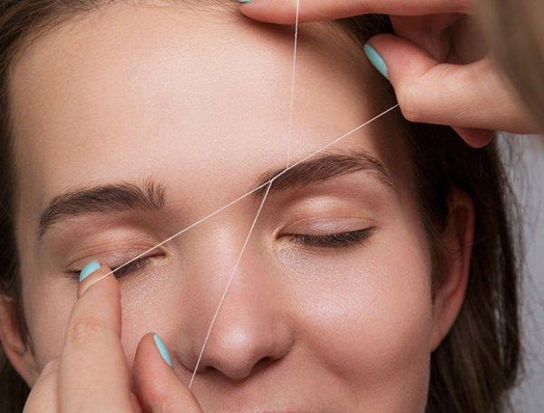 Как легко щипать брови с помощью простой нитки