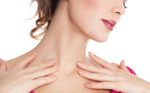 Правила ухода за кожей шеи и 3 варианта домашних масок