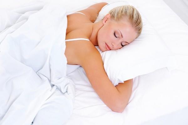Как избежать морщин от неправильного сна