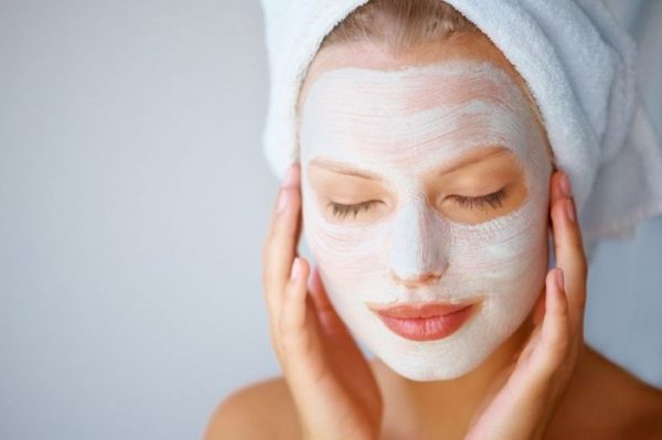 Как наносить макияж без вреда для кожи лица