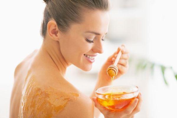 Как медовый массаж помогает избавиться от целлюлита