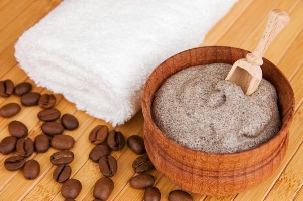 Как скраб из молотого кофе поможет проснуться с утра