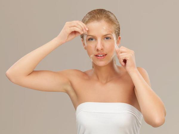 Как правильно снимать маски-пленки, чтобы не растягивать кожу