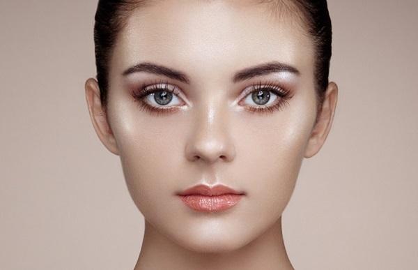 Макияж с эффектом влажной кожи: как наносить на дневной и вечерний выход