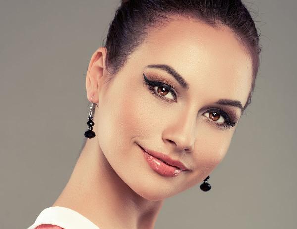 Как с помощью макияжа скорректировать нависающее верхнее веко
