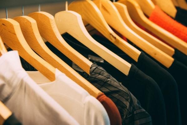 Чем опасна одежда из секонд-хенда: откровения бывших сотрудников