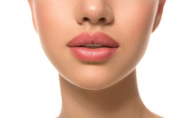 5 запретов после инъекционного увеличения губ
