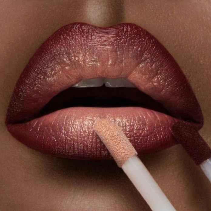 Техника омбре: как самостоятельно накрасить губы в модном стиле