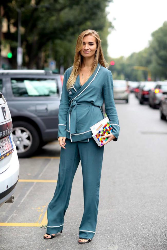 Костюмы в пижамном стиле: куда уместно надевать и какую обувь к ним подобрать