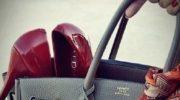 Как подобрать цвет сумки под обувь и одежду