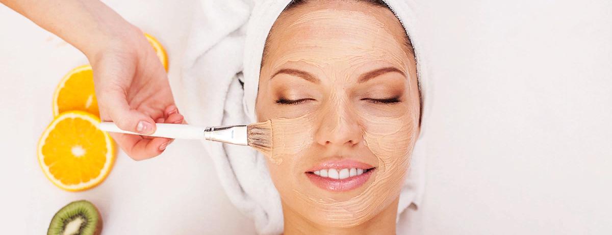 Какие средства подойдут для чистки сухой и чувствительной кожи