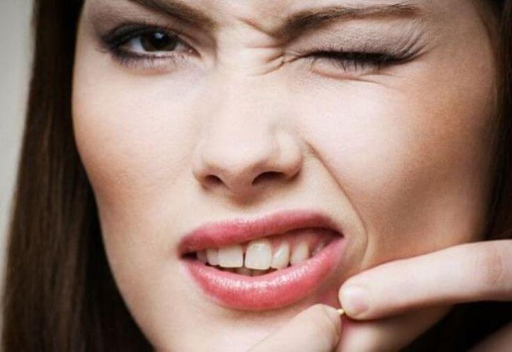 Что будет с кожей, если не снимать макияж на ночь