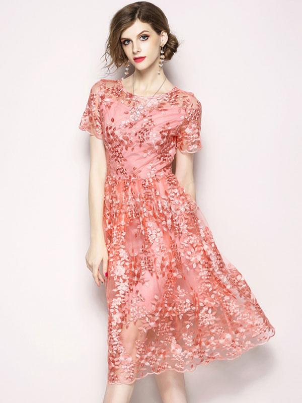 10 женственных моделей платьев с коротким рукавом