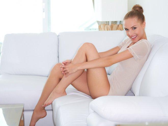 Ножки как с обложки: 5 лучших способов эпиляции волосков