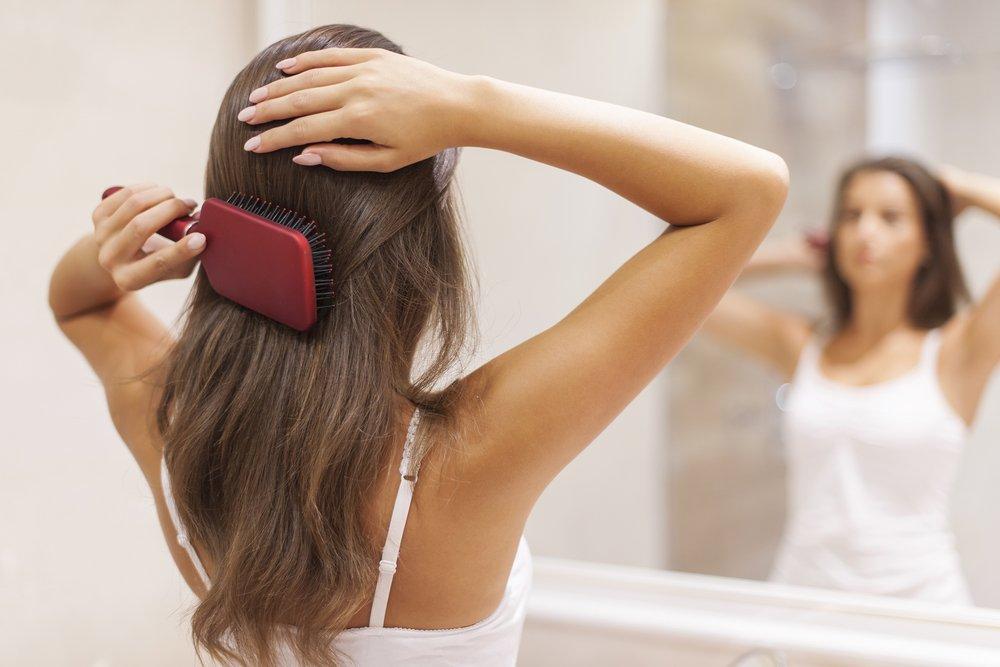 Какие процедуры сделают волосы прямыми и гладкими, не испортив их